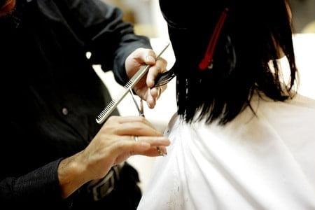 美容院で髪を切ってもらった直後が一番好感度の高い髪型になる