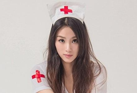 エッチな看護師の女性